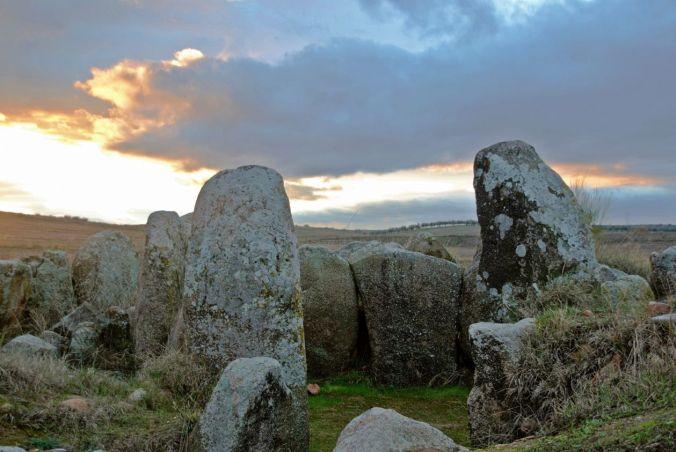 dolmen_azutan_2
